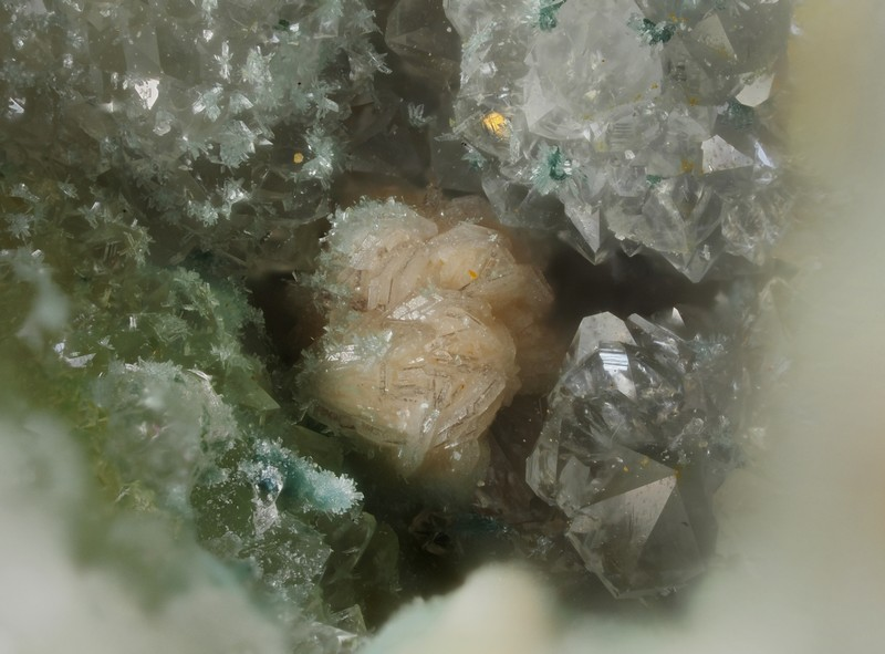 Calcite -  Mine de l'Eperon - Beauvoir - Echassières - Allier